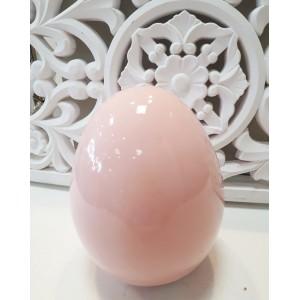 Różowe jajko